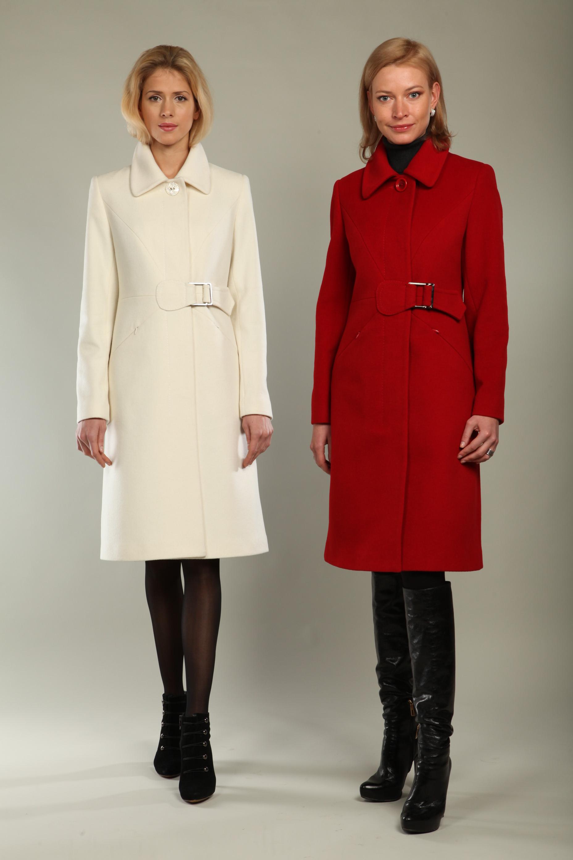 Модель фото пальто